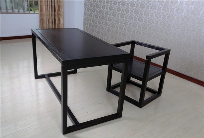 产品型号:006 产品分类: 简约实木电脑桌 品 牌:木言木语 型 号:006# 产品类别:实木电脑桌 规 格:1.4*0.7*0.8m 适用场合:书房 风 格:中式 、现代中式、简约中式 可否定做:可以